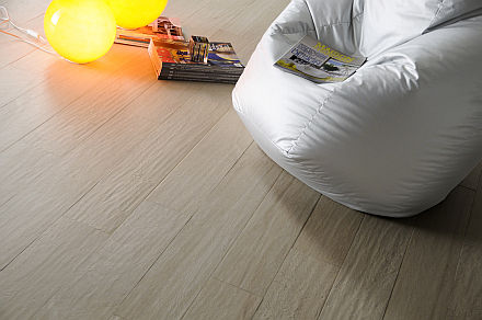 New in 2011 noa for Carrelage imitation parquet blanc