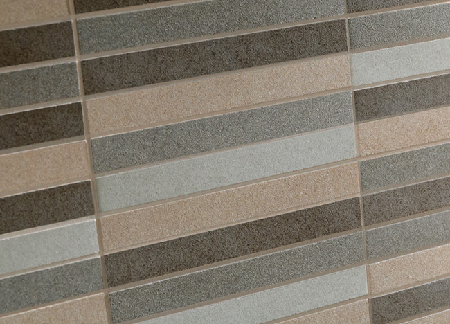 Moon tiles: beige joints alter original tiles colour