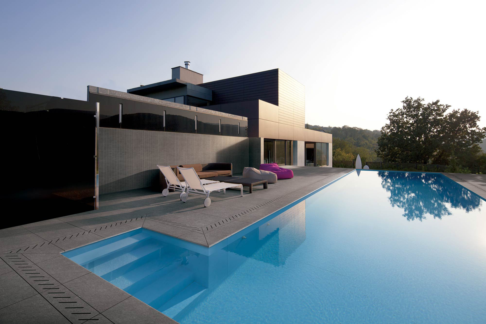 Pool Tiles | Swimming Pool Tiles | Outdoor Pool Tiles | Novoceram